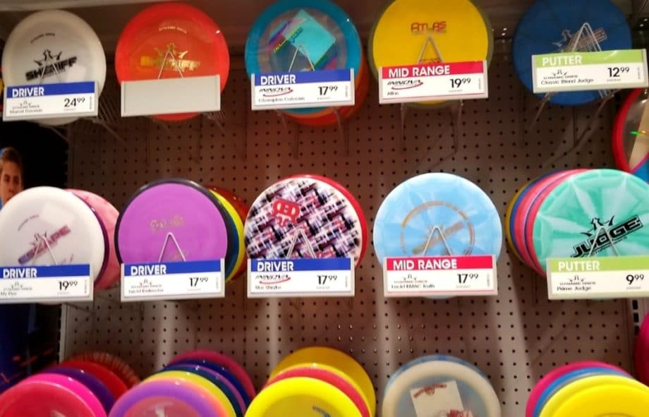 What is disc golf