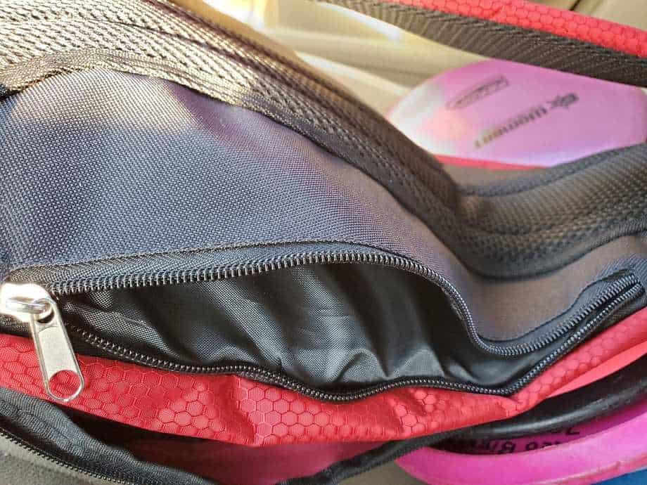 infinite discs slinger bag